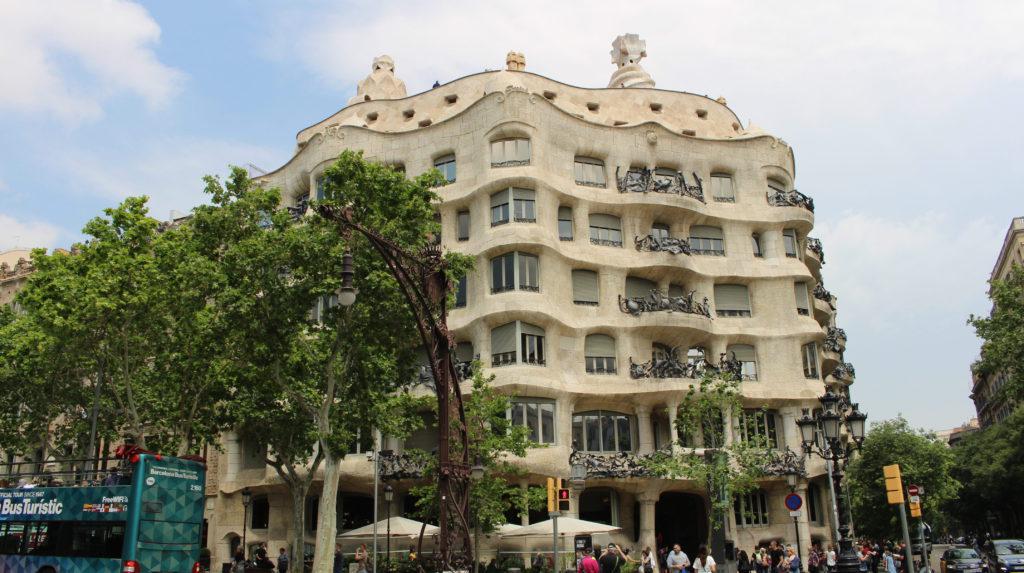Casa-milà-barcelone